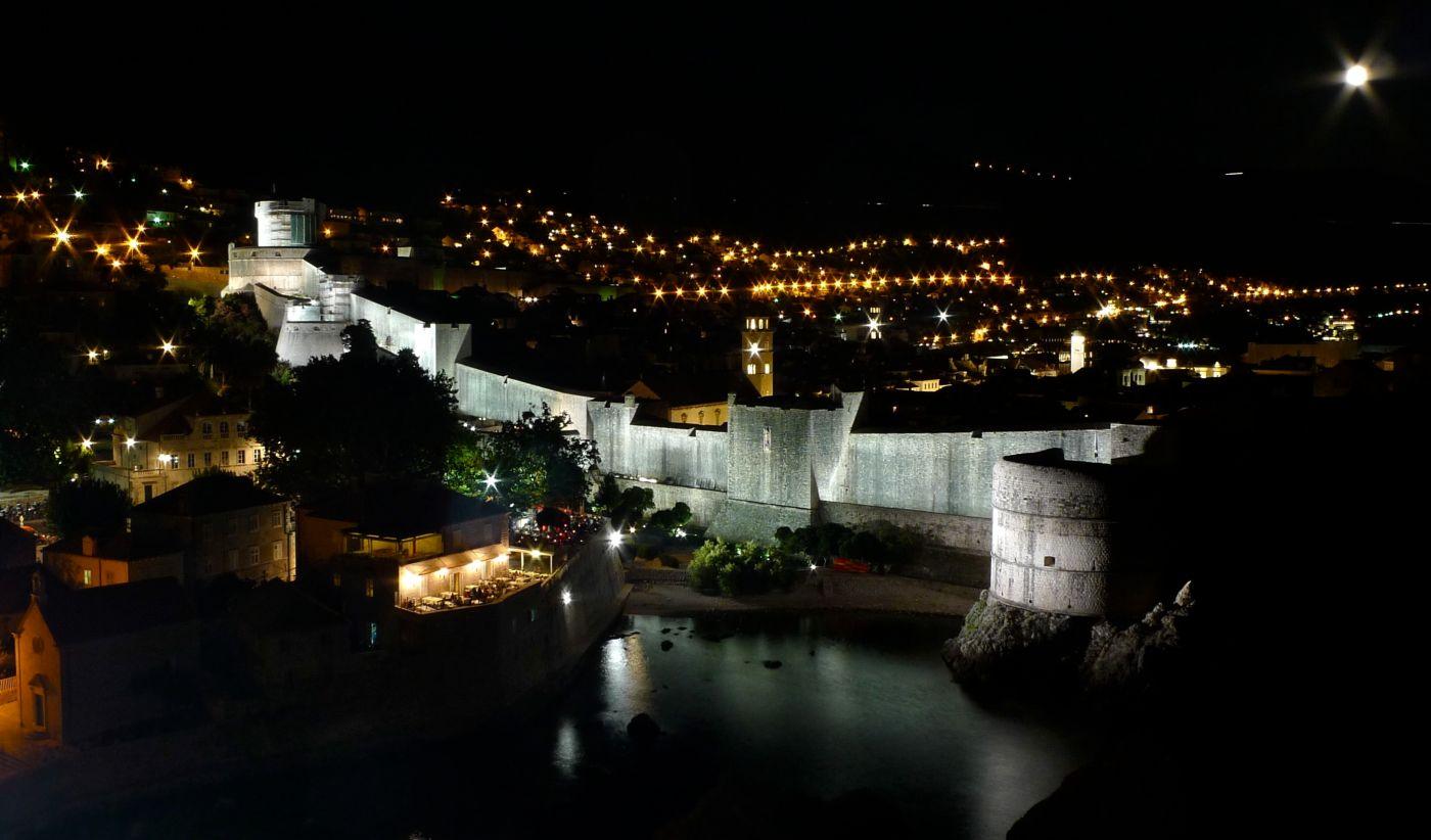 Dubrovnik yöllä