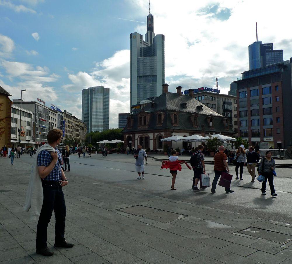 Frankfurtin pilvenpiirtäjiä