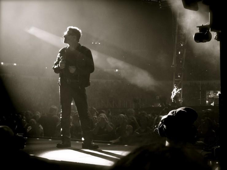 Kun Bono kuvaan käveli | U2 Helsingissä 2010