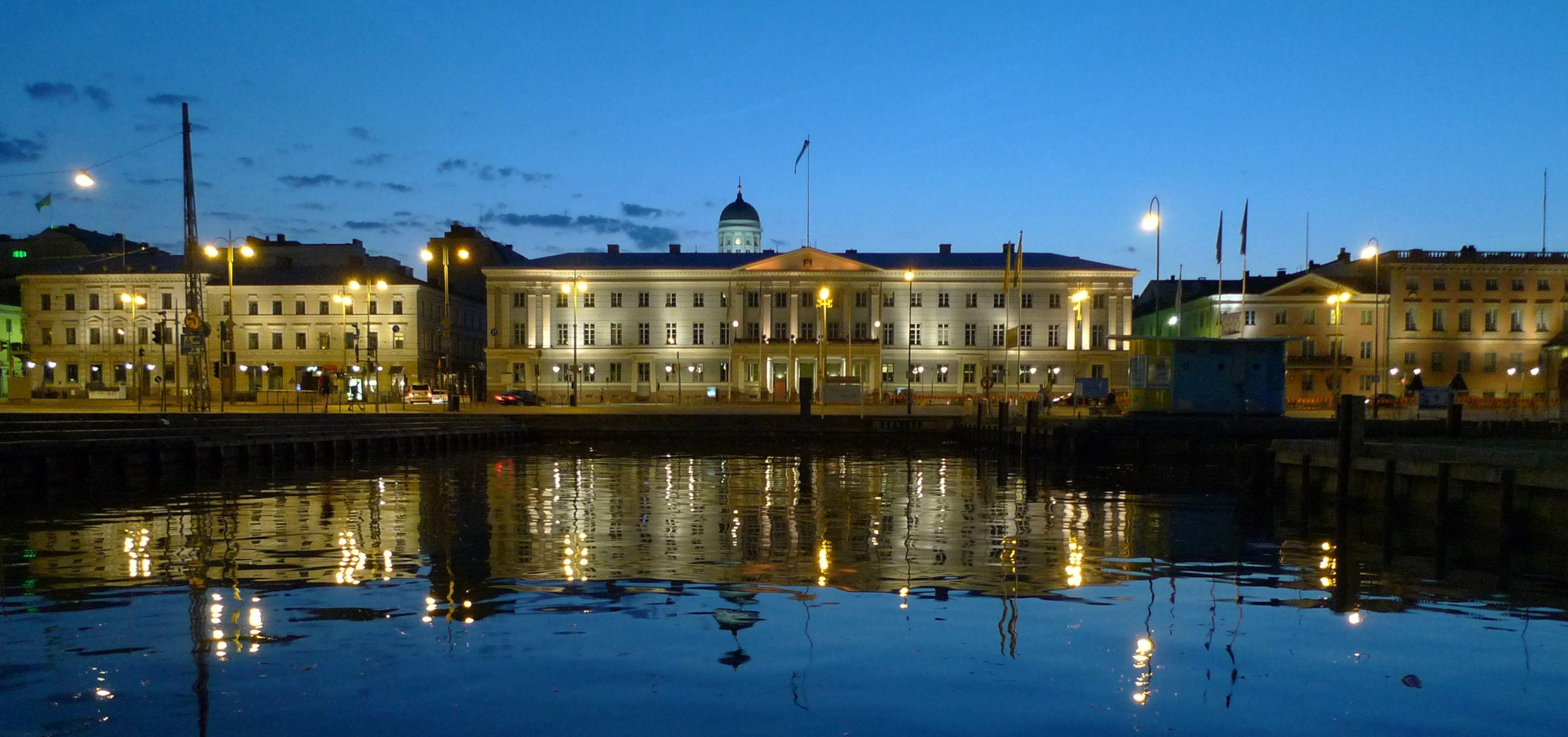 Helsinki yöllä