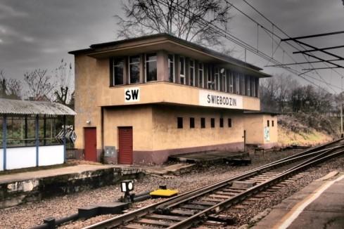 Juna-asema.
