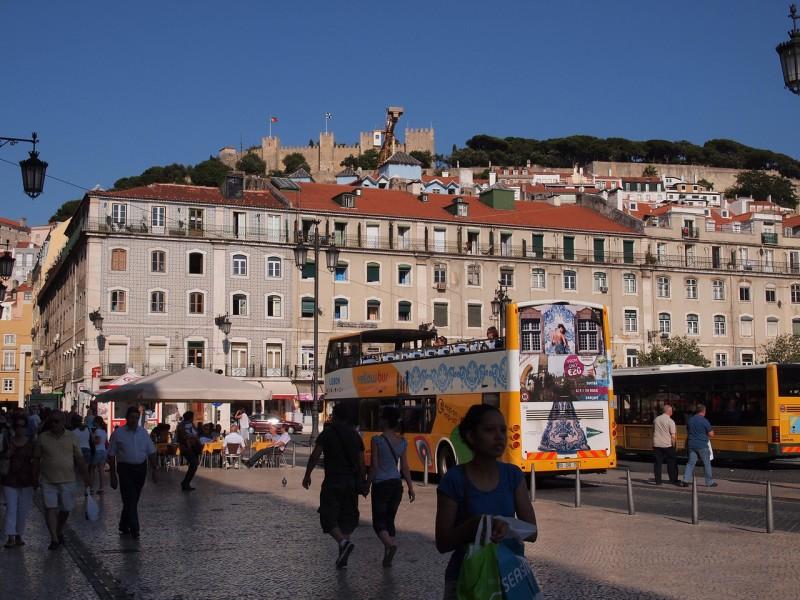 Lissabonissa minibussilla ratikan sijaan