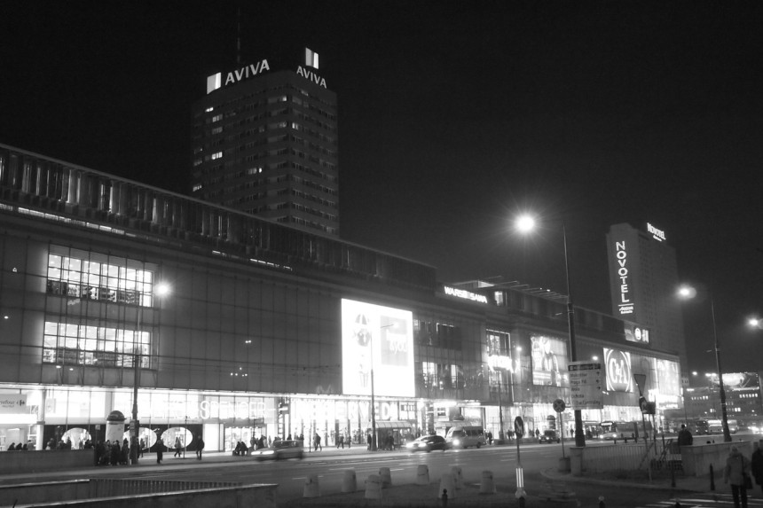 Varsova-kommunistista-arkkitehtuuria