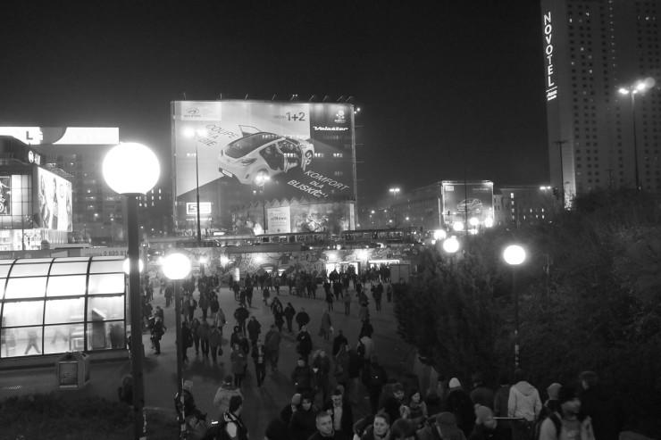 Varsovan ihmisruuhkaa