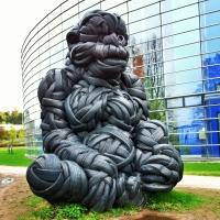 Kumi Kong vartioi Helsingin Viikkiä
