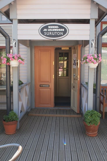 Nukkemuseo Suruton.