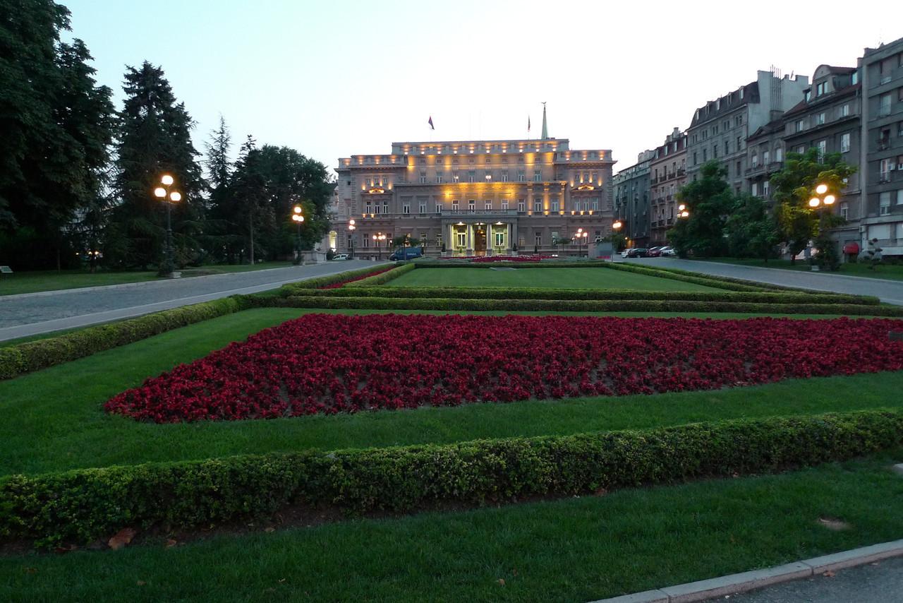 Lämmin ja letkeä Belgradin yö