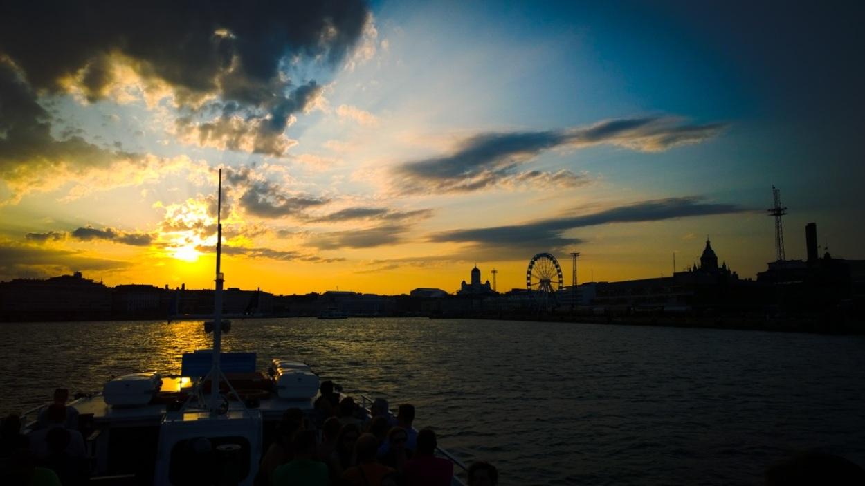 Helsinki-auringonlasku-meri-2014-1