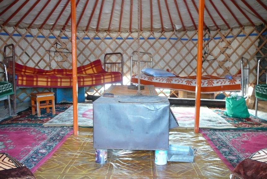 Mongolia-jurtta-2