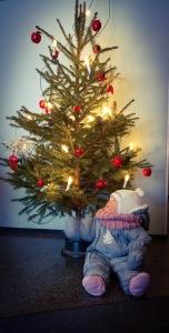 Vauva ja joulukuusi