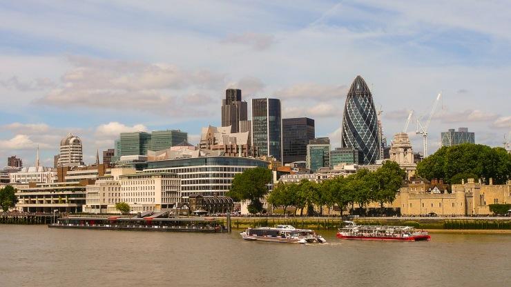 Lontoon pilvenpiirtäjiä blogi
